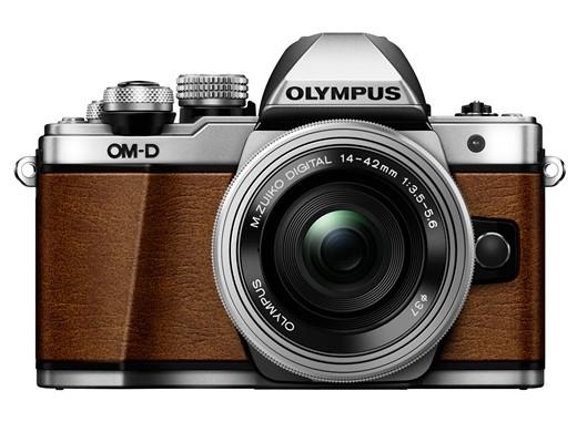 Камера Olympus OM-D E-M10 Mark II Limited Edition отделана кожзаменителем