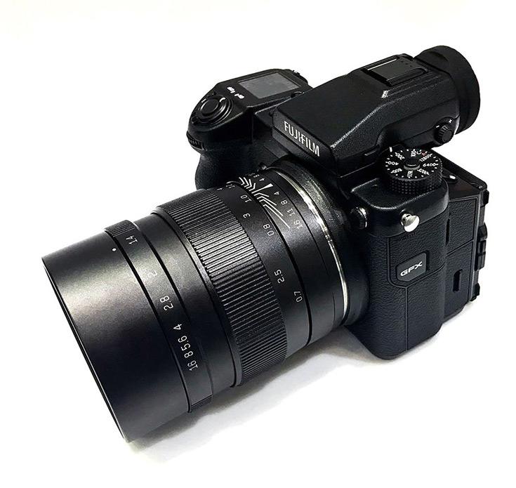 Модель Speedmaster 65mm F1.4 спроектирована специально, а Speedmaster 85mm F1.2 уже выпускается с другими креплениями