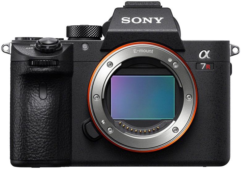Обновление прошивки улучшает работу автофокуса камеры Sony a7R III