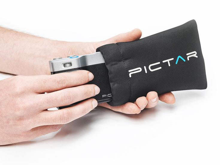 Рукоятка Pictar, делающая смартфон Apple iPhone более удобным для использования в качестве камеры, общается с ним по необычному каналу