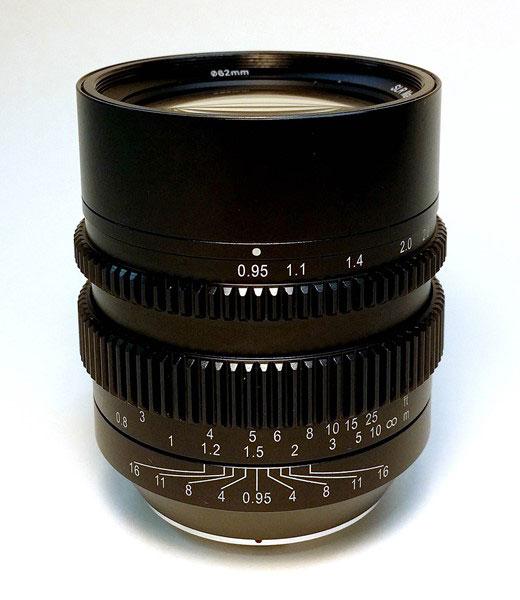 Объектив SLR Magic HyperPrime CINE 50mm T0.95 предназначен для камер системы Micro Four Thirds