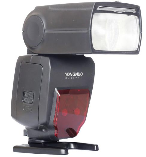 Вспышка Yongnuo YN660 совместима с камерами Canon и Nikon