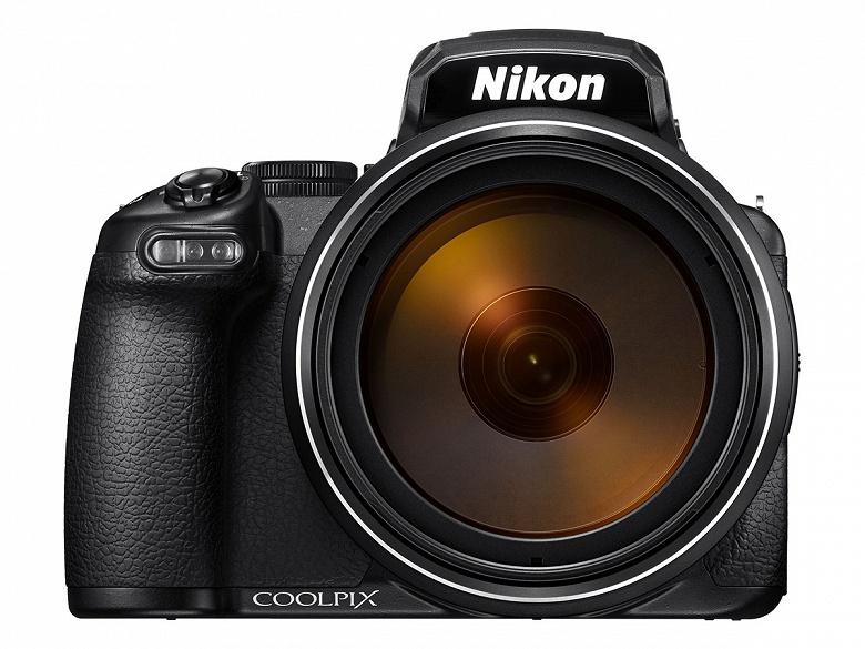 Объектив камеры Nikon Coolpix P1000 охватывает диапазон фокусных расстояний 24-3000 мм