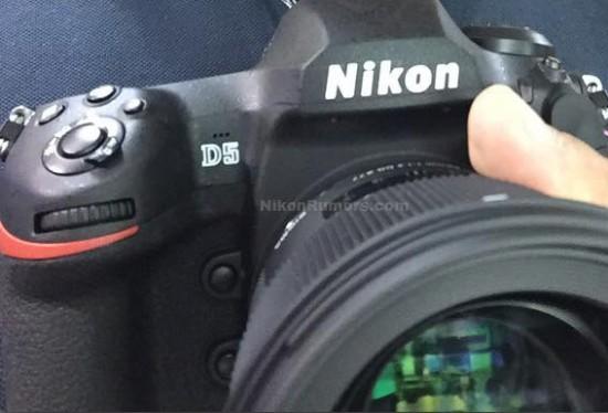 По очевидным причинам новая камера напоминает модель Nikon D4