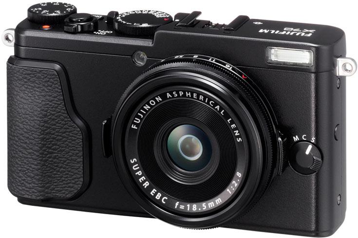 Камера Fujifilm X70 оснащена несменным объективом с ЭФР 28 мм