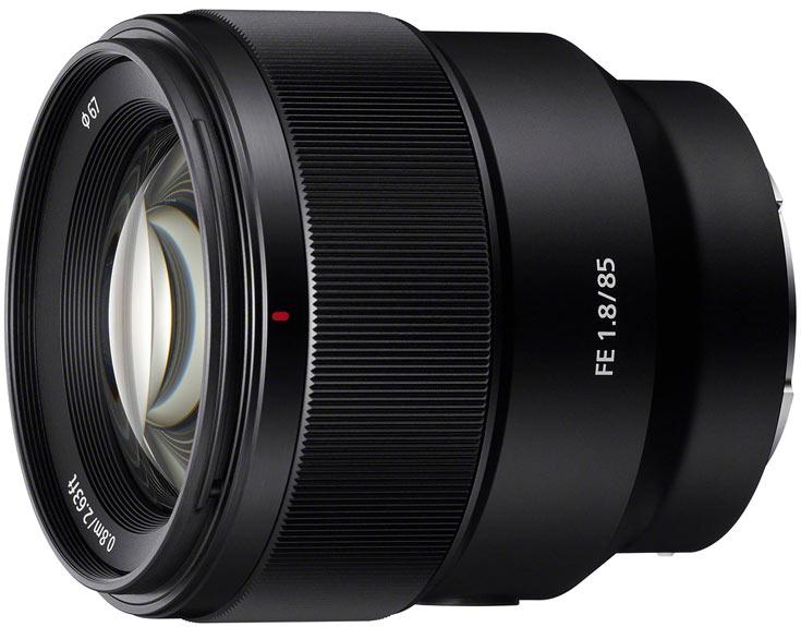 В продаже объектив Sony FE 85mm F1.8 должен появиться в марте